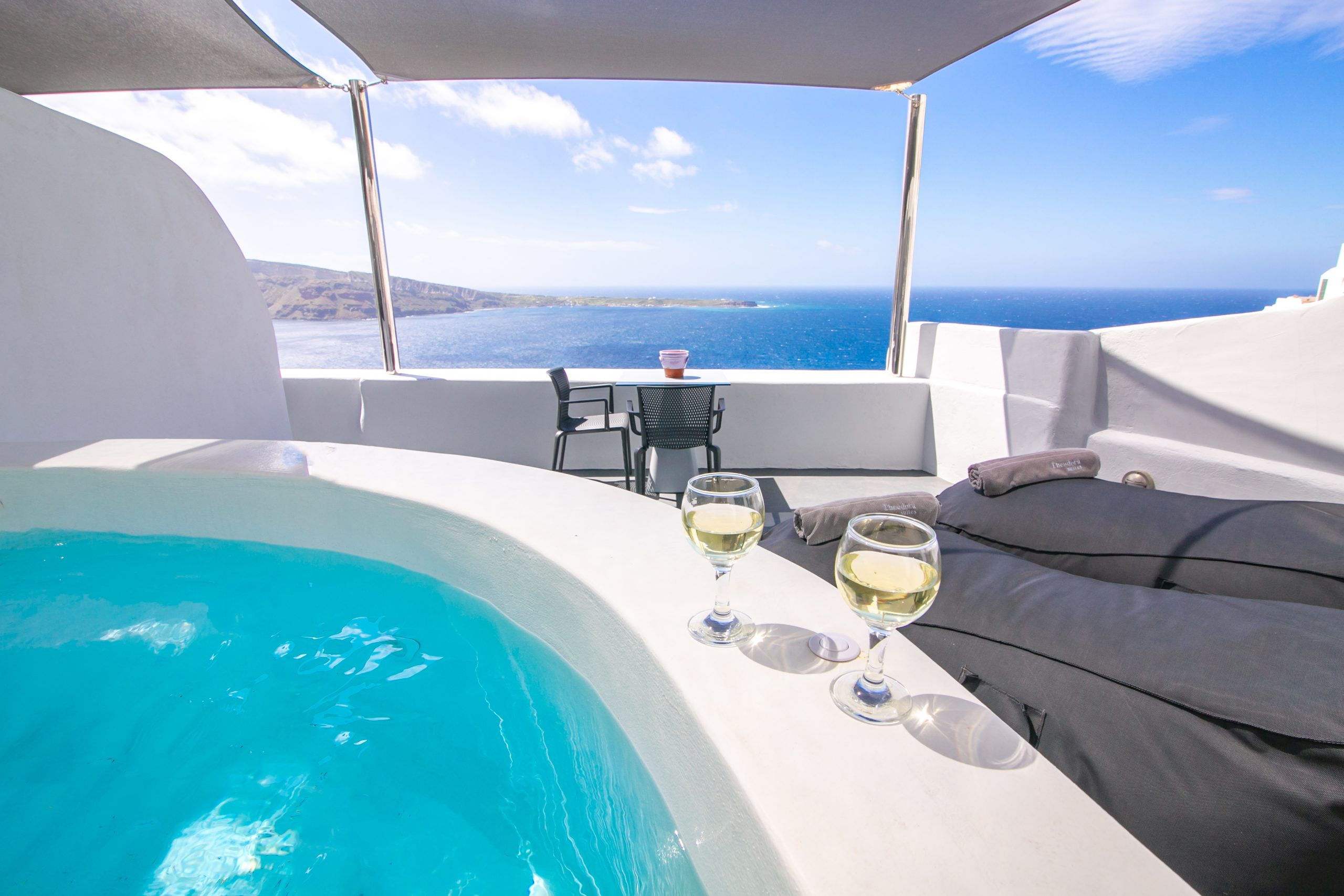 Suites in Santorini
